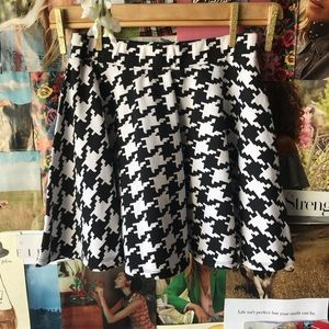 Olsenboye Houndstooth Skater Skirt